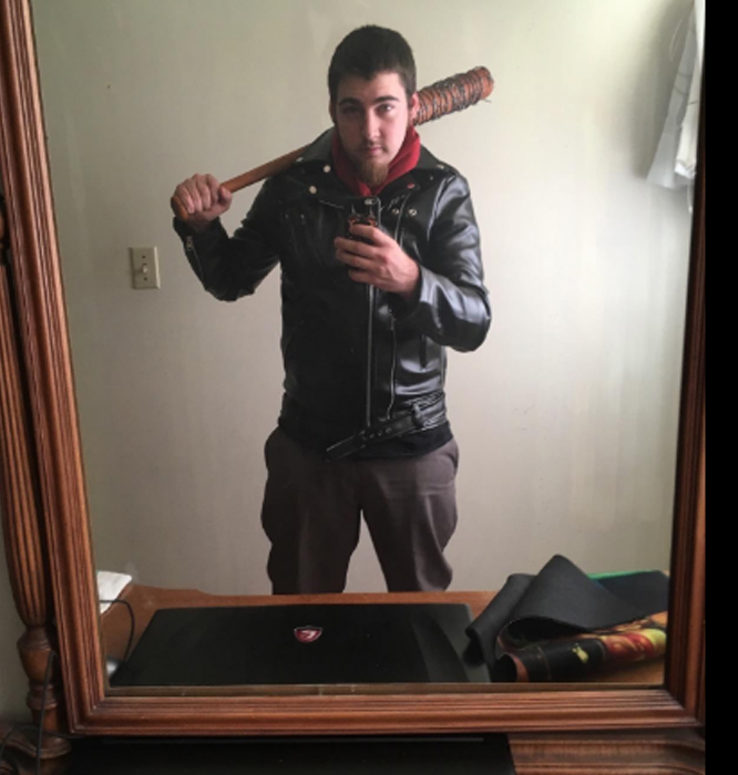 the-walking-dead-negan-jacket.jpg